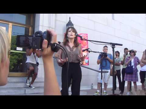 Marianne Williamson Speaks Out At Occupy Los Angeles