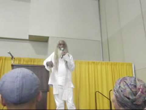 Aris Latham: A Talk at the Total Health Expo (2 of 6)