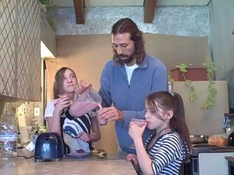 liferegenerator Dan: BANANA SMOOTHIE! RECIPES For KIDS!