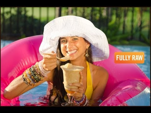 Kristina Carrillo-Bucaram : Fat-Free Banana Ice Cream Floats!