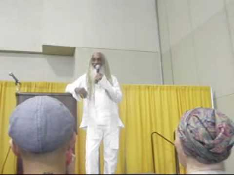 Aris Latham: A Talk at the Total Health Expo (1 of 6)