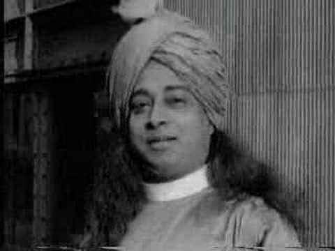 Paramahansa Yogananda: Walking In New York